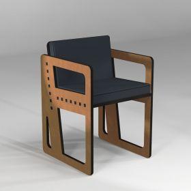 Chaise fabriquée sur mesure en fonction des mensurations de l'utilisateur. Option coussin en mousse haute résilience.