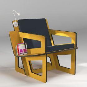 Fauteuil de lecture jaune avec étagère bibliothèque, réalisation sur mesure. Liseuse en option.