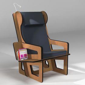 Fauteuil à oreilles sur-mesure avec étagère bibliothèque, présenté avec une liseuse en option