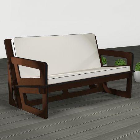 Canapé de jardin fabriqué sur mesure avec coussins gris. Largeur assise 120 cm. Largeur totale 134 cm.